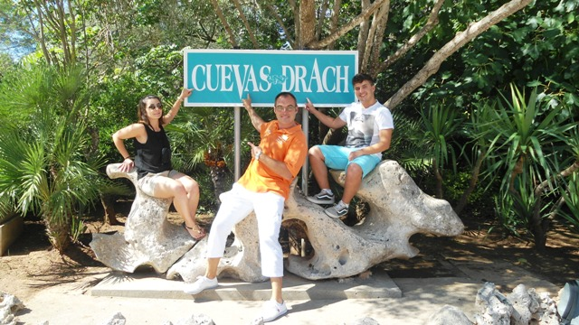 caves drach photocall